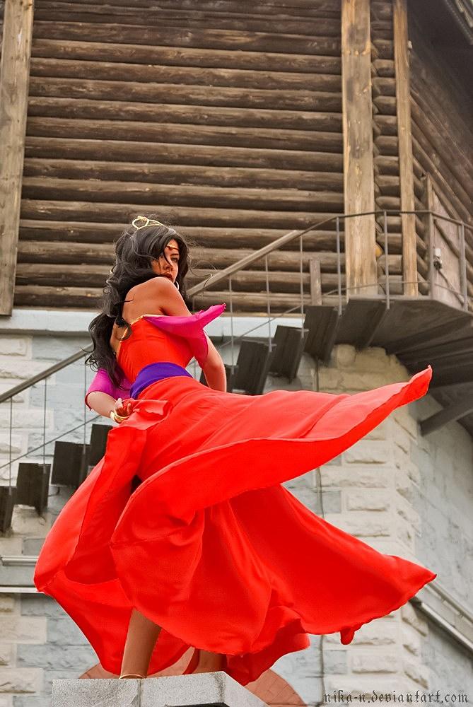 Best Cosplay Ever (This Week) – 07.02.12 |Diy Esmeralda Costume