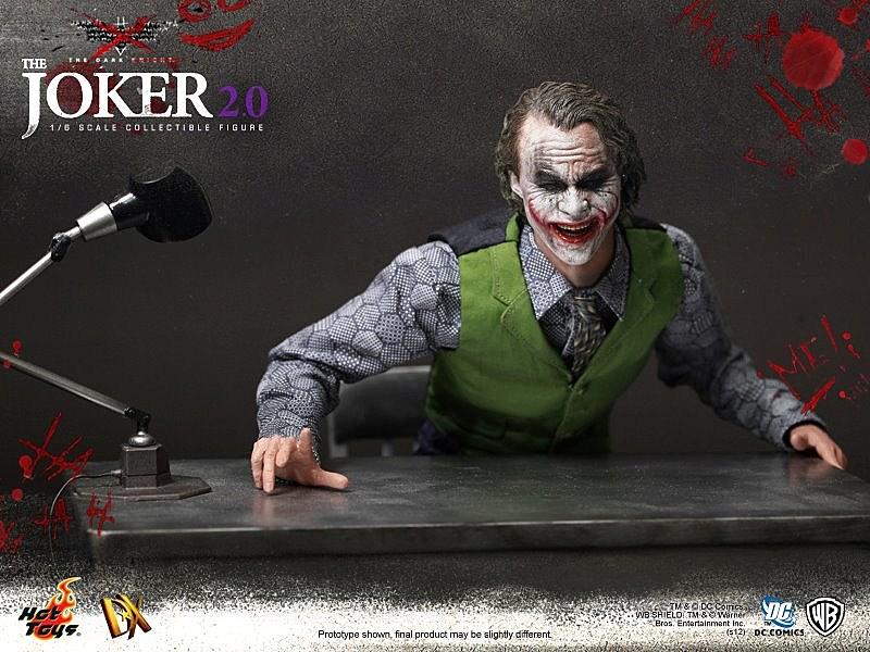 Hot Toys Dark Knight Joker 19