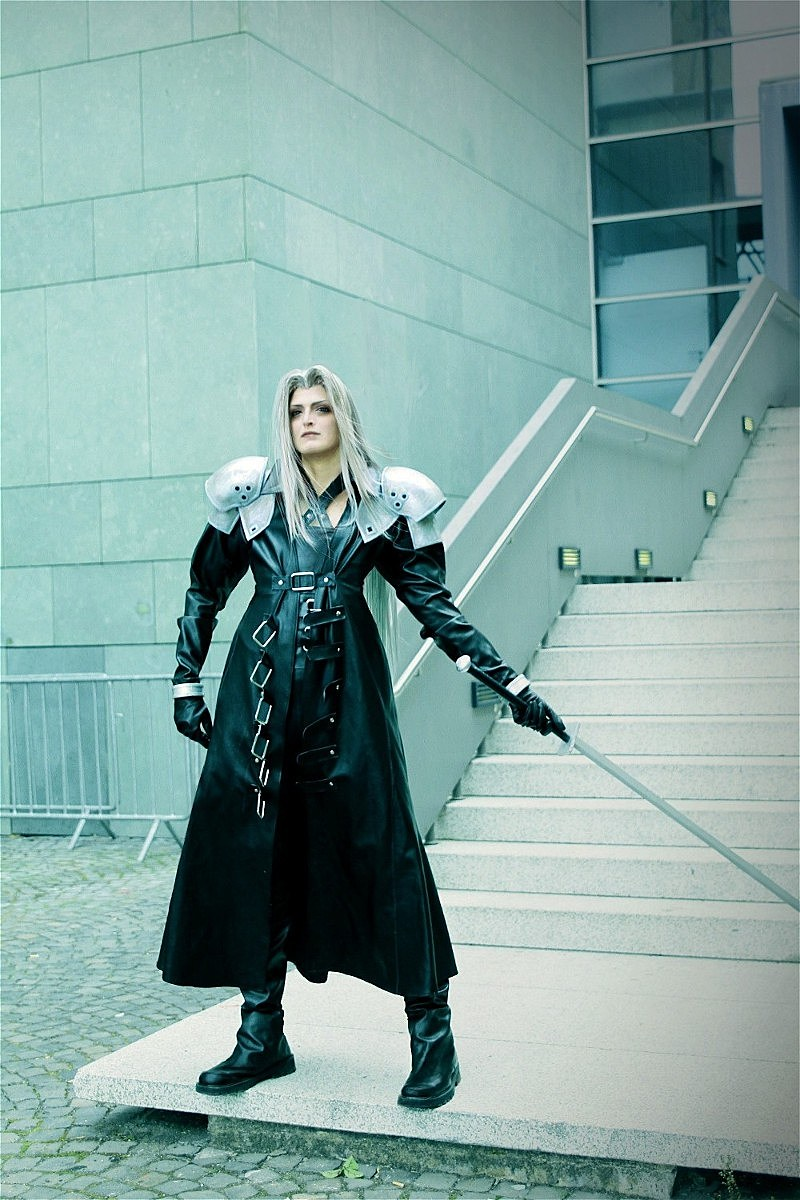 Final Fantasy Sephiroth Cosplay Best Cosplay Ever (Thi...