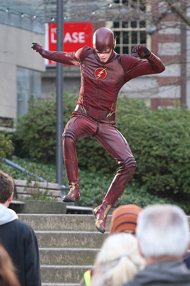the-flash-grant-gustin-set-photos-2