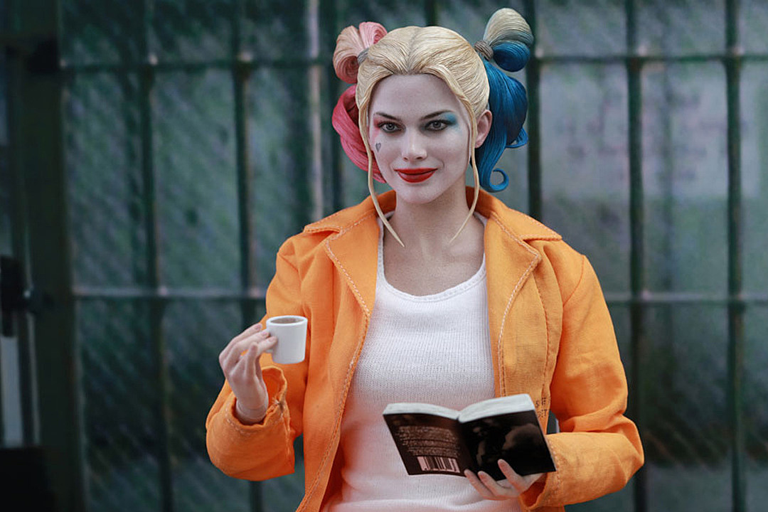 Thanks to Hot Toys, Now You Can Hang Out With Harley Quinn in Belle Reve
